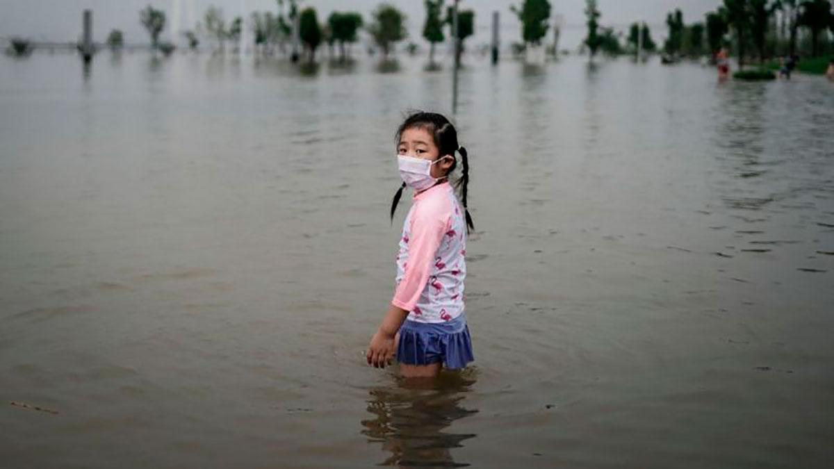 En Zhengzhou, en un solo día cayeron 624 mm de lluvia, el equivalente a casi un año entero