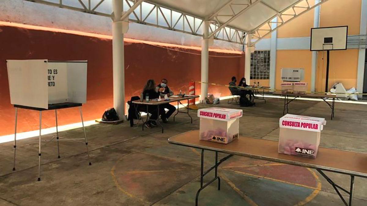 La ausencia de votantes fue la imagen general de muchas de las casillas electorales este domingo.