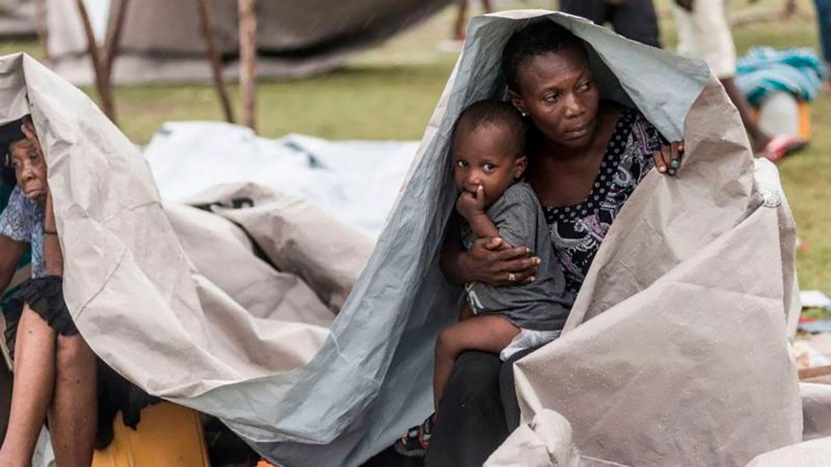 Se calcula que al menos 30 mil personas quedaron sin hogar tras el terremoto de magnitud 7.2 del pasado 14 de agosto.