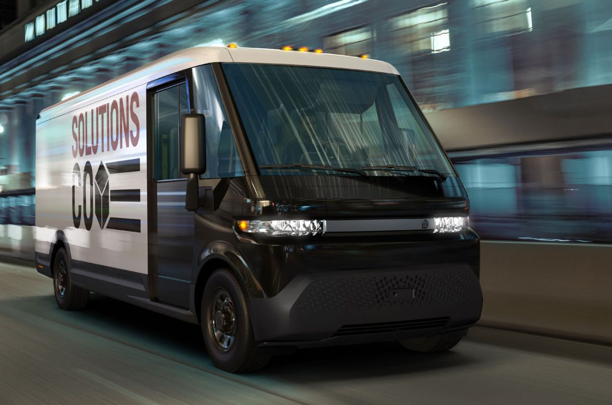 Dos flamantes vehículos comerciales eléctricos son planeados por un gigante norteamericano