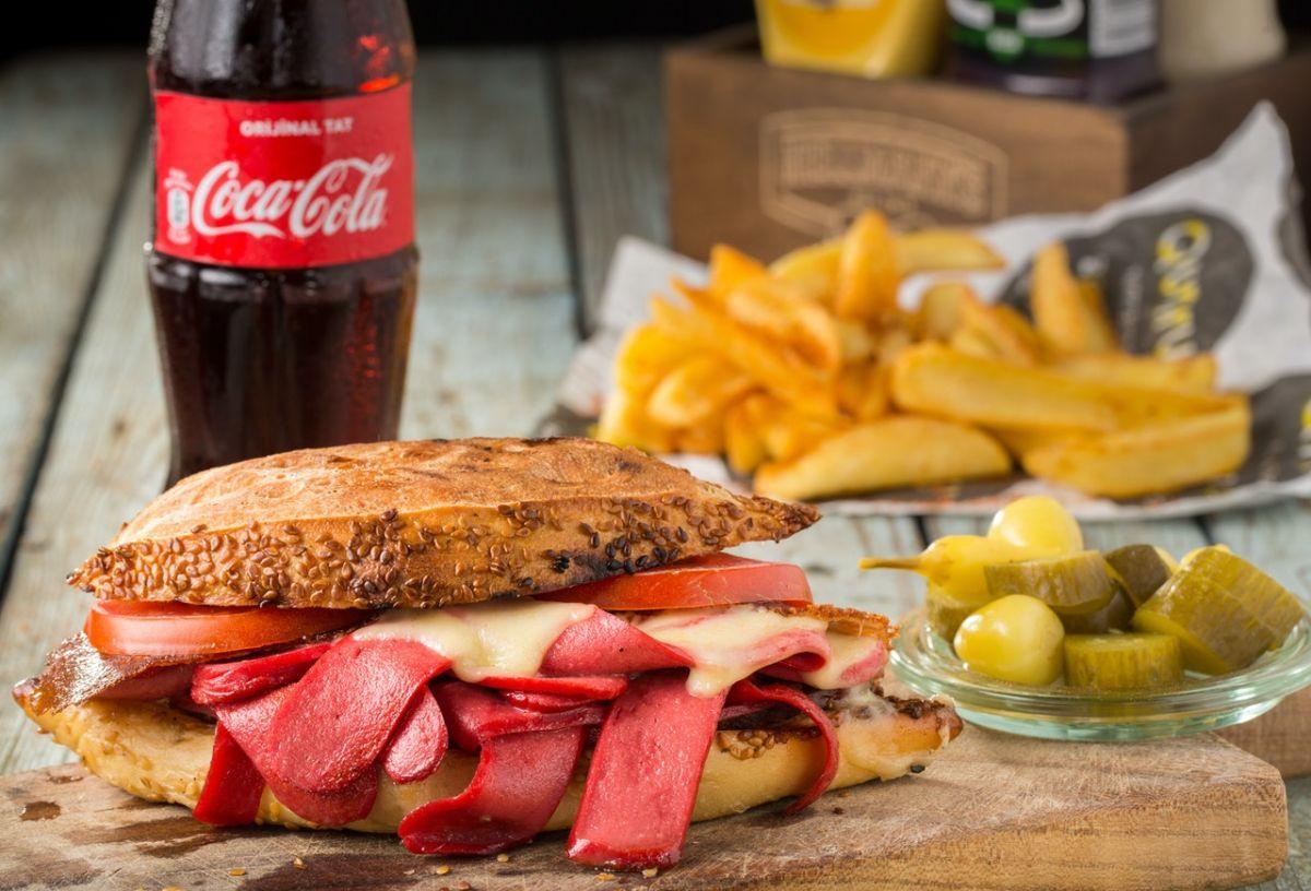 Los refrescos, grasas no saludables y carnes contribuyen a aumentar el riesgo de diabetes tipo 2.