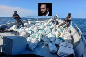 FOTOS: Nayib Bukele presume detención de 3 mexicanos con cocaína valorada en $35 millones de dólares