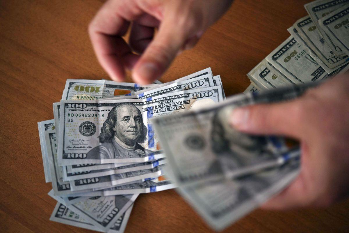 Precio del dólar ante el peso mexicano.