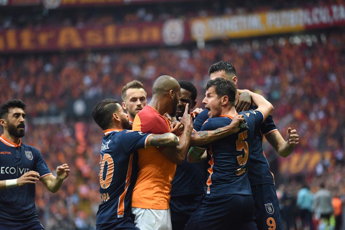 El amazónico ha sido expulsado siete veces en su carrera. Esta es su tercera expulsión en la Superliga turca.