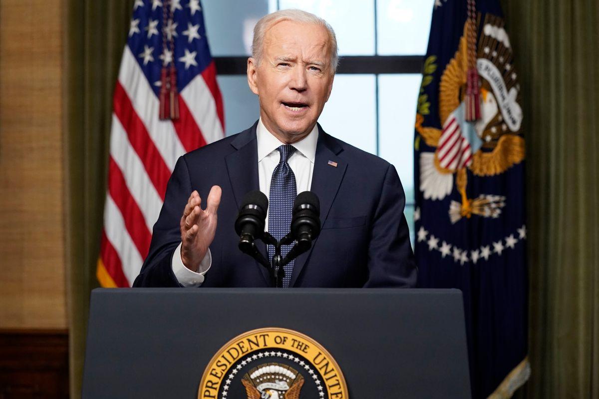El presidente Joe Biden defiende la decisión del retiro militar de Afganistán.