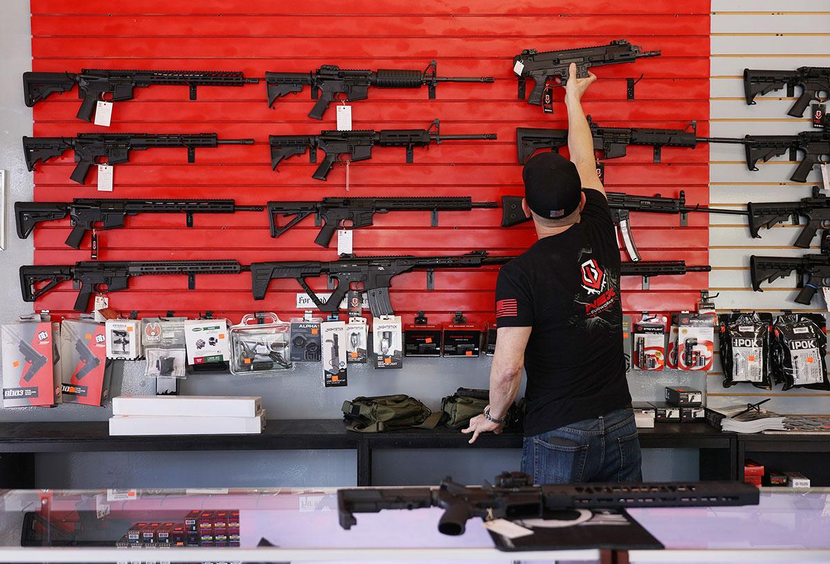 México demanda a empresas fabricantes de armas de Estados Unidos.