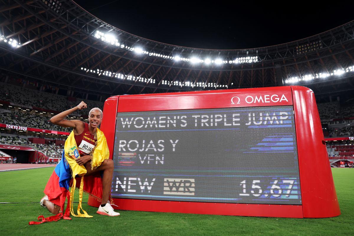 La venezolana Yulimar Rojas rompió el récord mundial en salto tripe femenino,