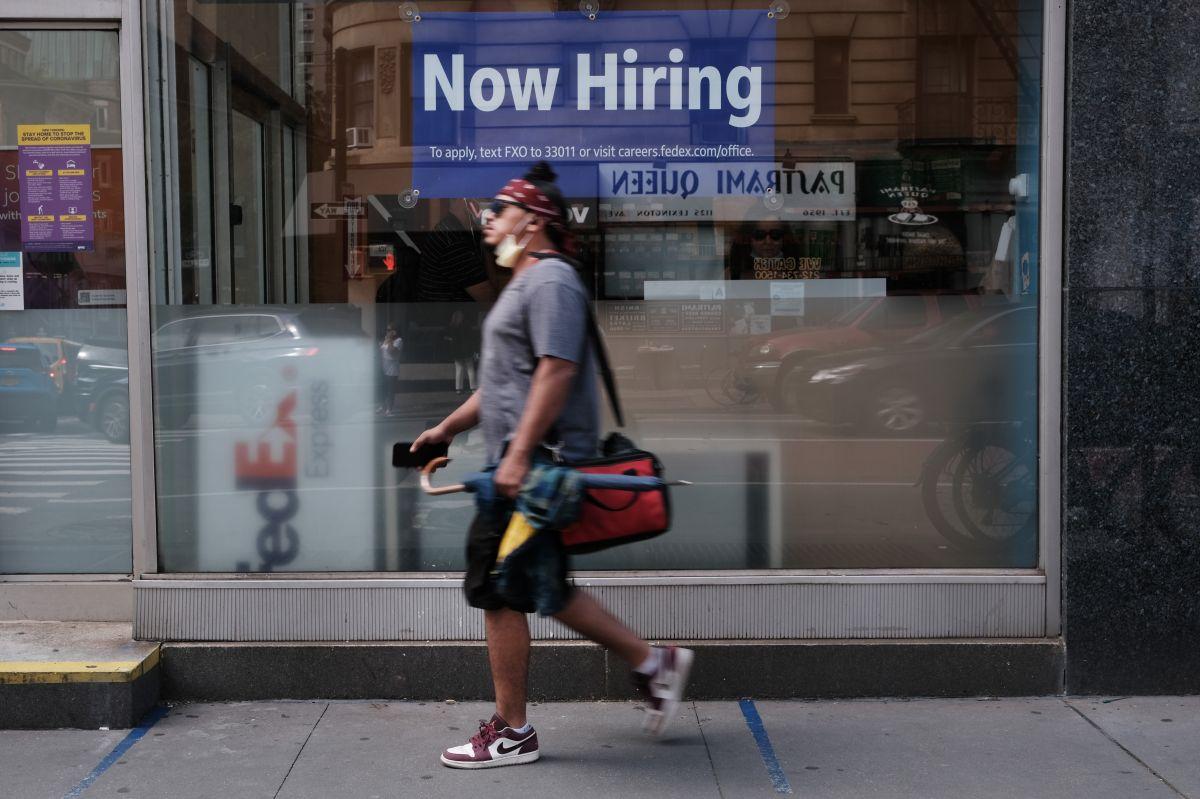 La tasa de desempleo ha bajado gradualmente en los últimos meses hasta el 5.4 % en julio.
