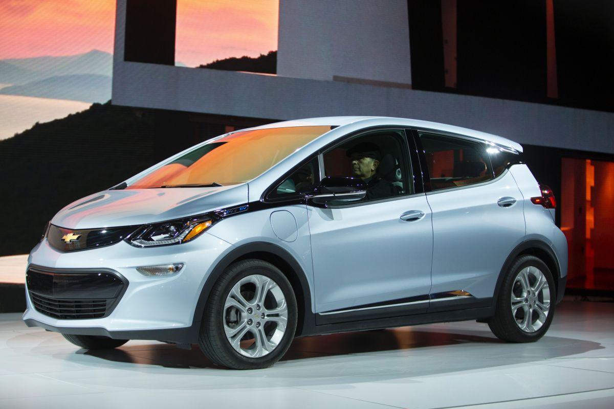El total de la llamada a revisión le costará a GM $1,800 millones de dólares para sustituir los módulos de batería defectuosos.