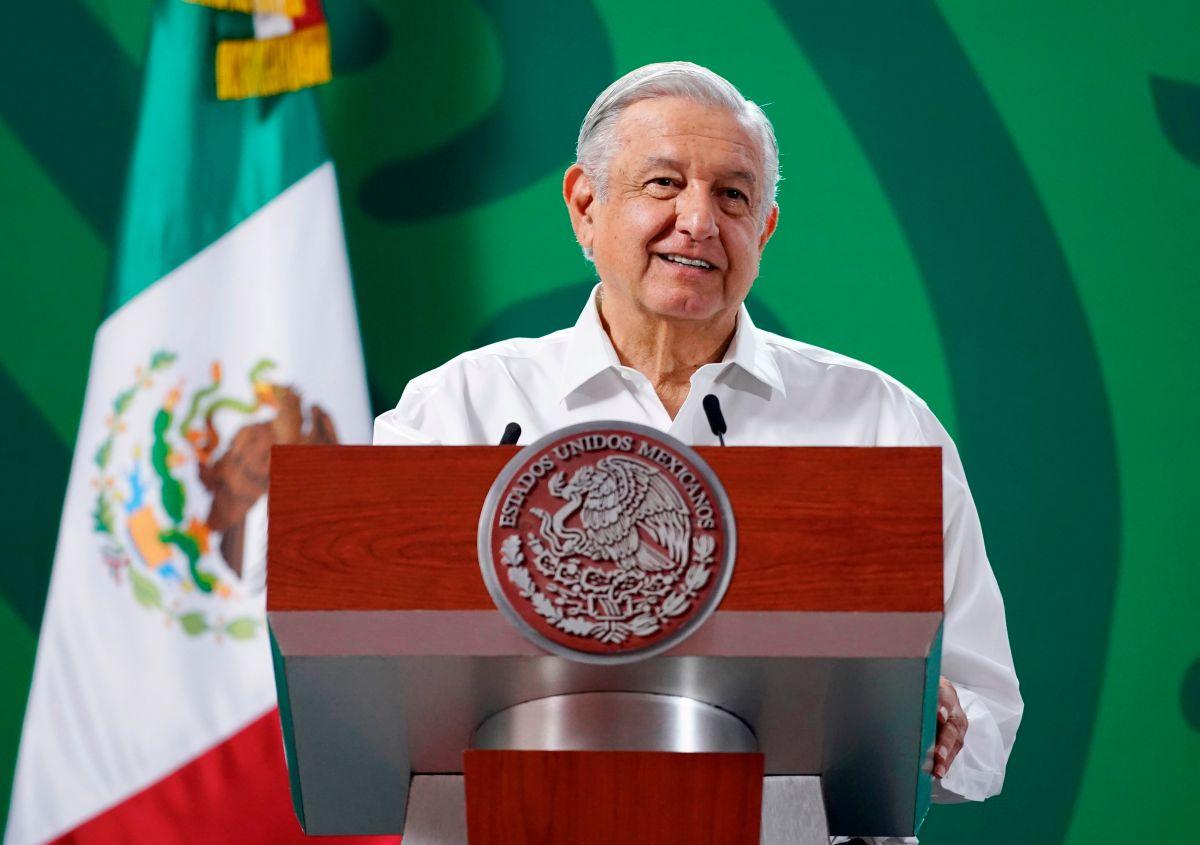 López Obrador felicita a Aremi Fuentes por su medalla de bronce en Tokio 2020.