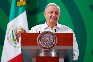 López Obrador felicitó a Aremi Fuentes por su medalla en Tokio 2020 y anunció recompensas a los atletas