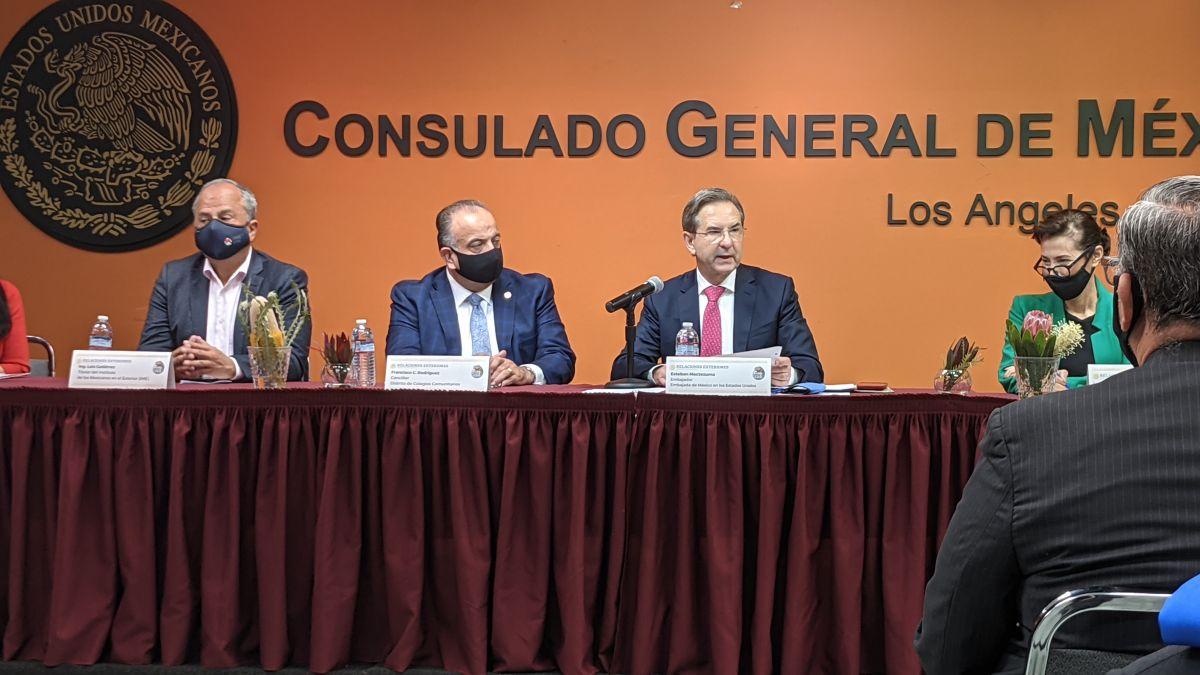 Representantes de México y LA inauguran la semana de la educación en el Consulado de México en Los Ángeles.