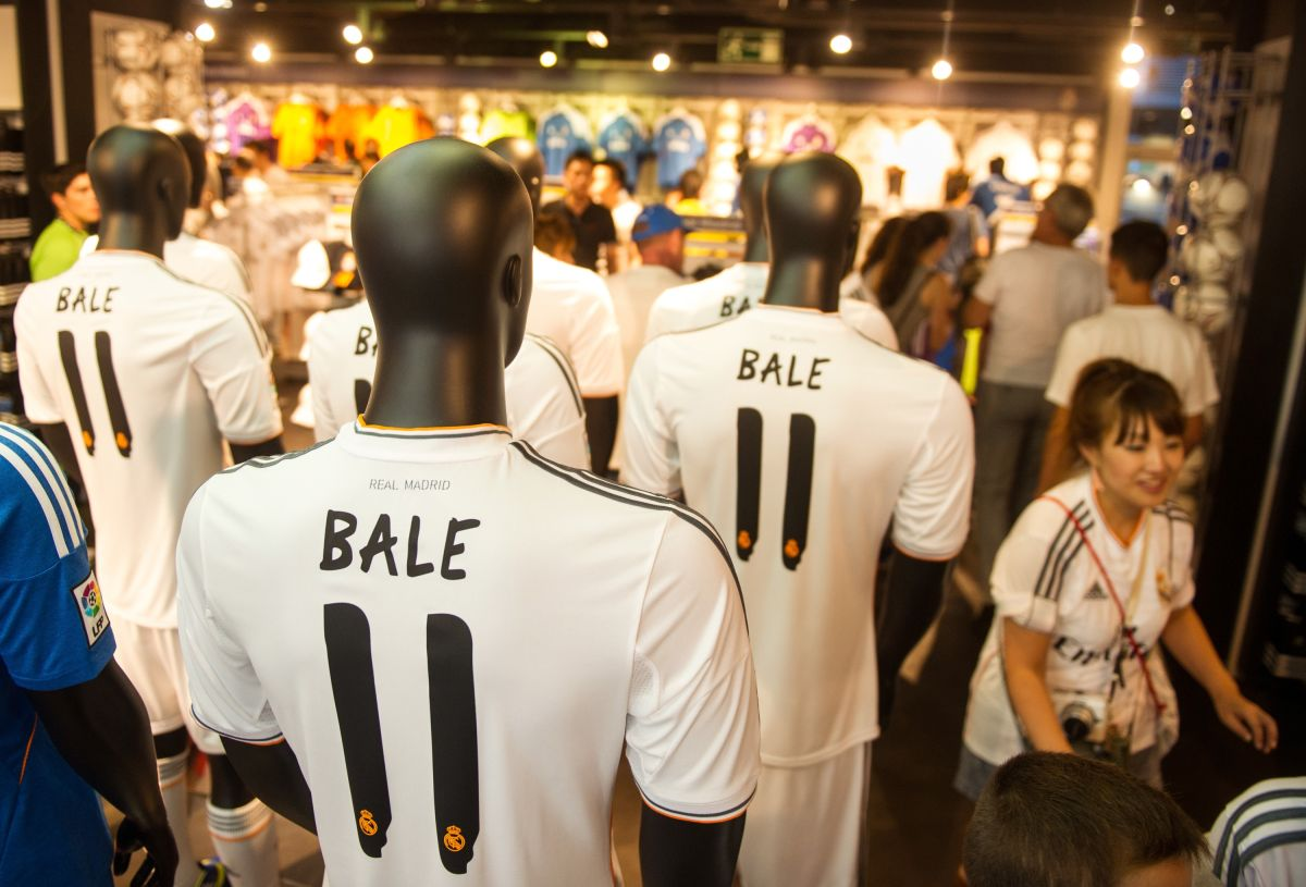 Tienda del Real Madrid del Santiago Bernabeu.