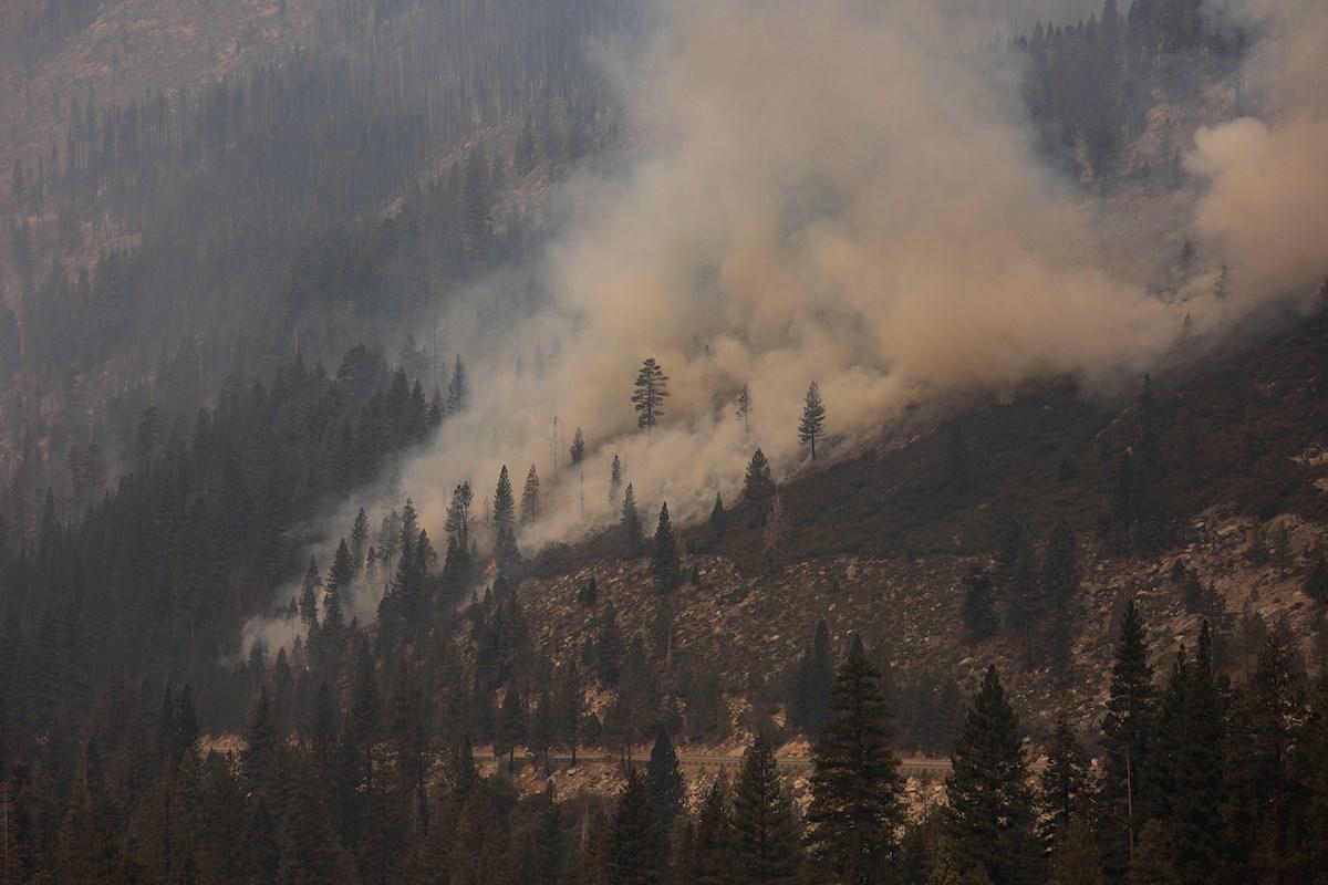 El incendio Caldor sigue su paso por California y provoca la evacuación de la población de South Lake Tahoe