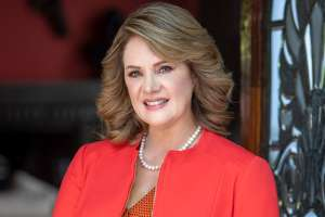 Erika Buenfil desmiente salida de Televisa para entrar a 'La Casa de los Famosos' de Telemundo