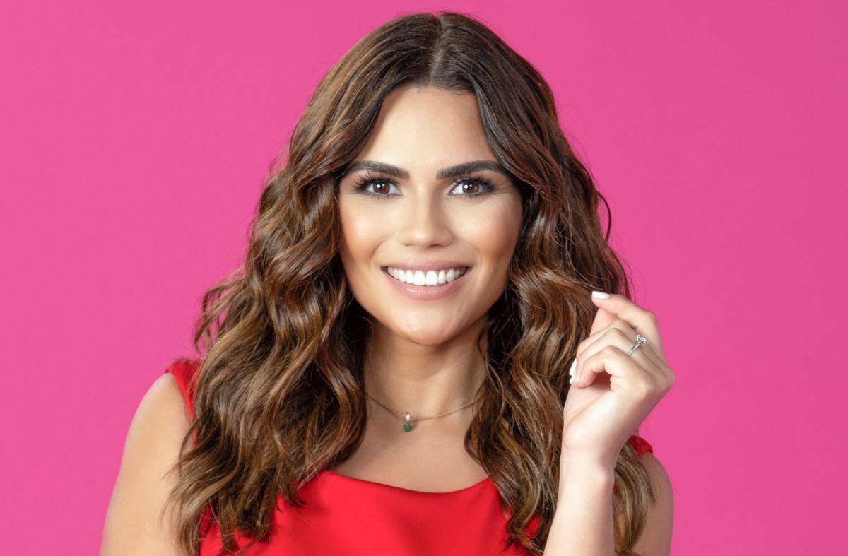 Karina Banda es la nueva conductora de 'Enamorándonos'.