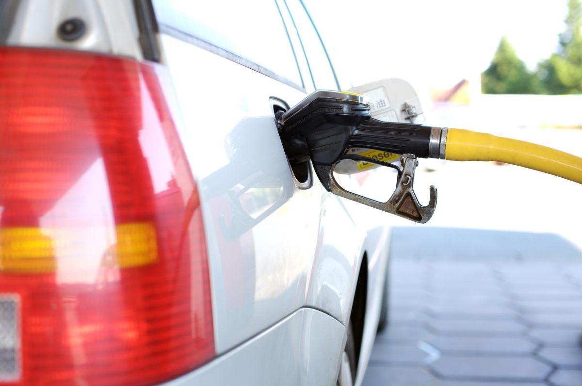 A pesar de no aparentarlo, cada mezcla de gasolina contiene residuos que pueden afectar el funcionamiento del motor.