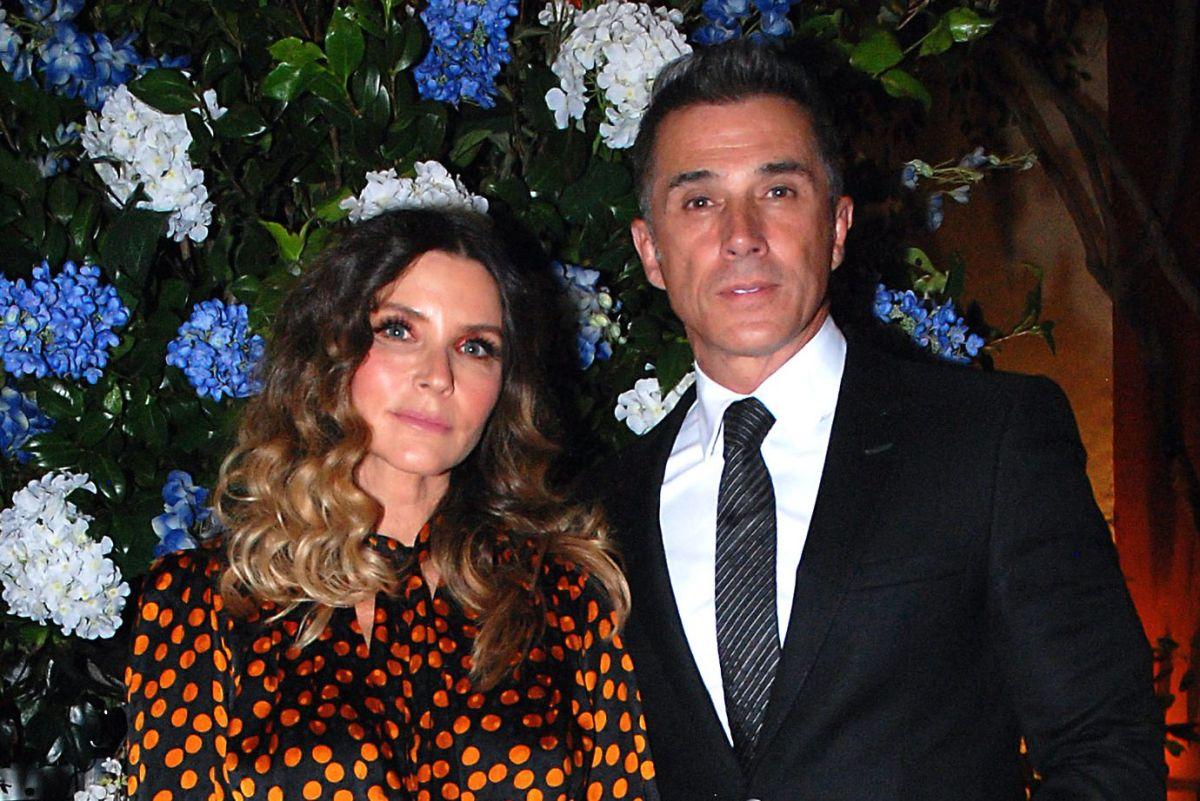 Issabela Camil y su esposo, Sergio Mayer.