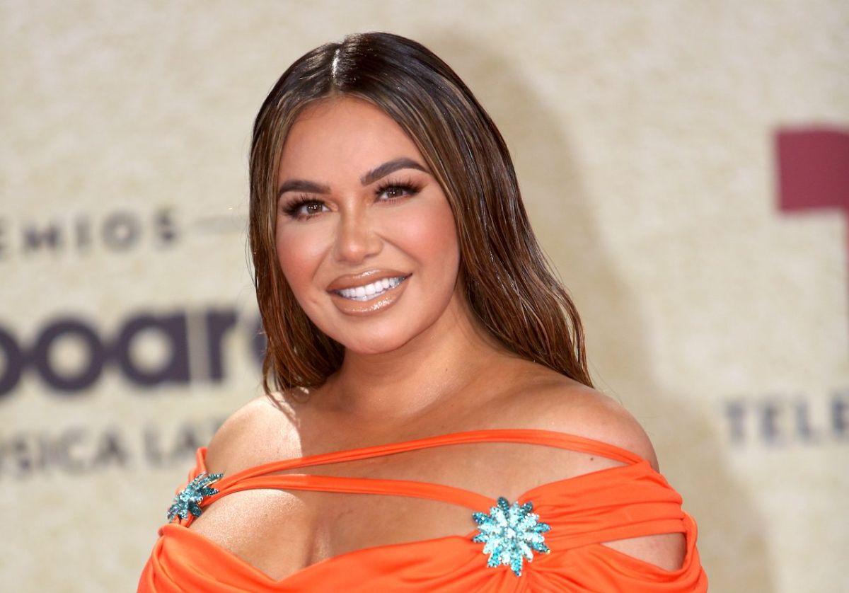 Chiquis Rivera responde a quienes la compararon con una calabaza de Halloween durante los Billboard 2021