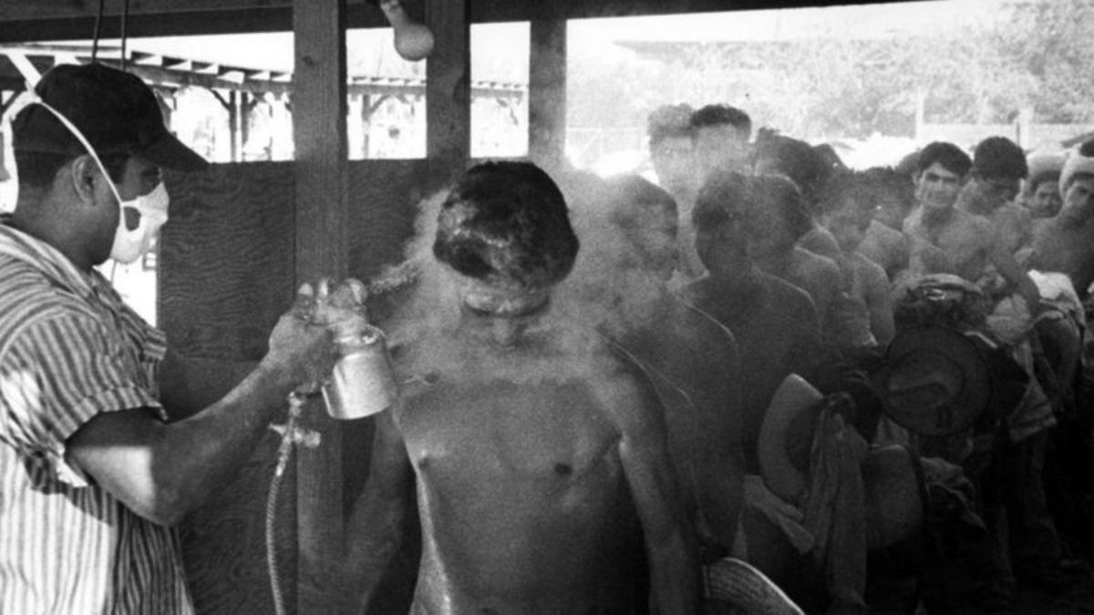 """La escena que capturó esta foto de 1956 ha sido descrita como """"un momento atroz""""."""