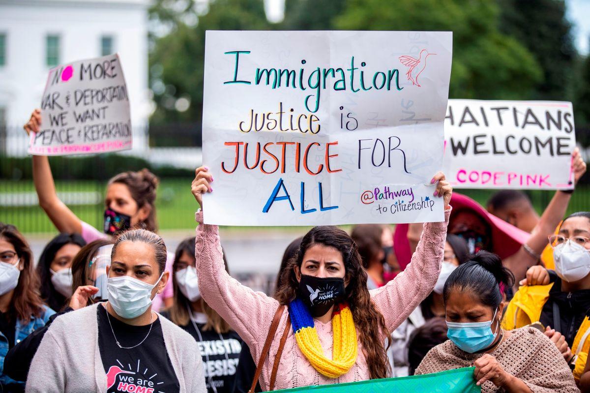 Miles de activistas presionan al Congreso para aprobar el camino a la ciudadanía para millones de indocumentados.