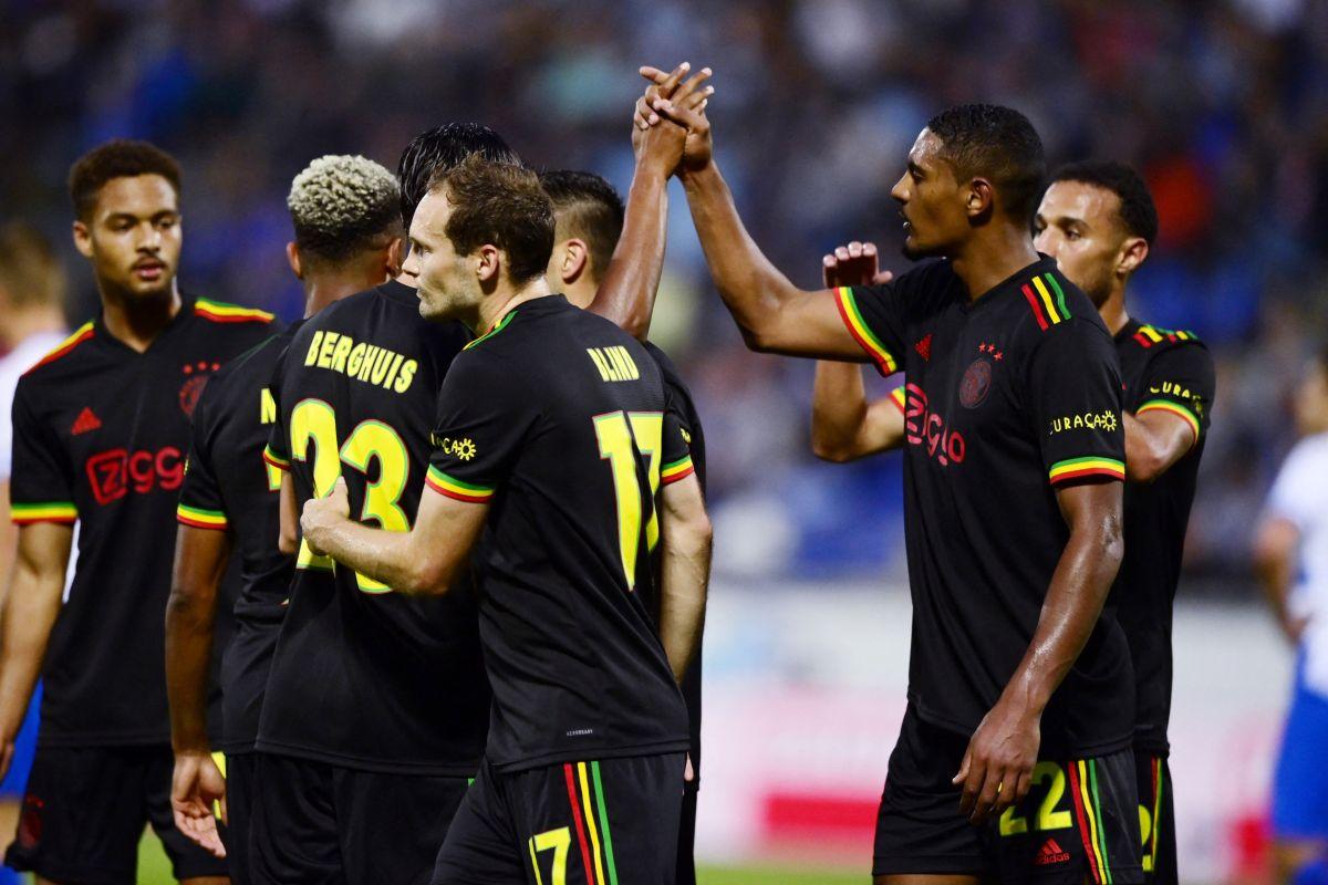 Ajax con su tercera equipación.