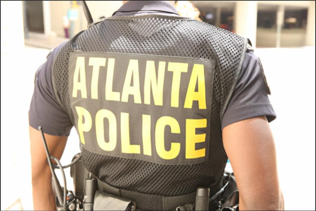 Las autoridades arrestaron a siete personas este lunes por estar presuntamente involucrados en una red de pornografía infantil.