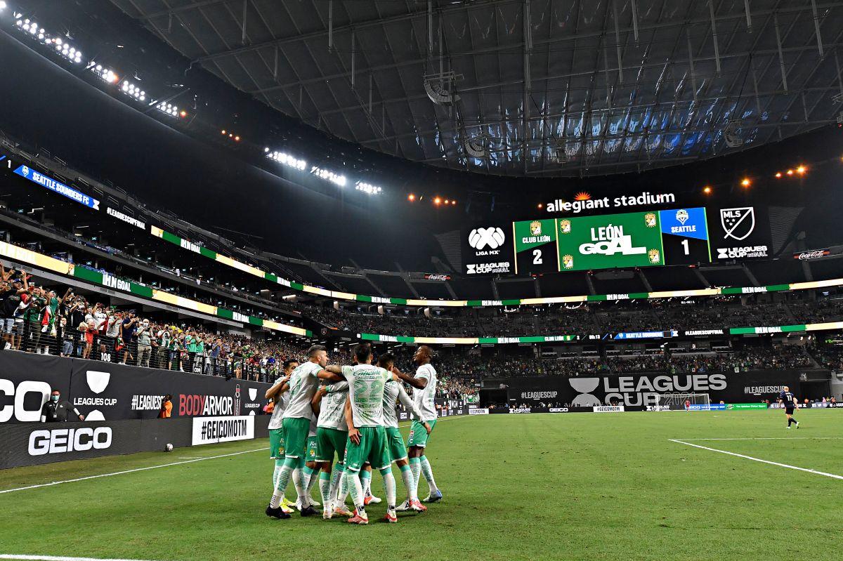 León remontó con tres goles en 25 minutos.