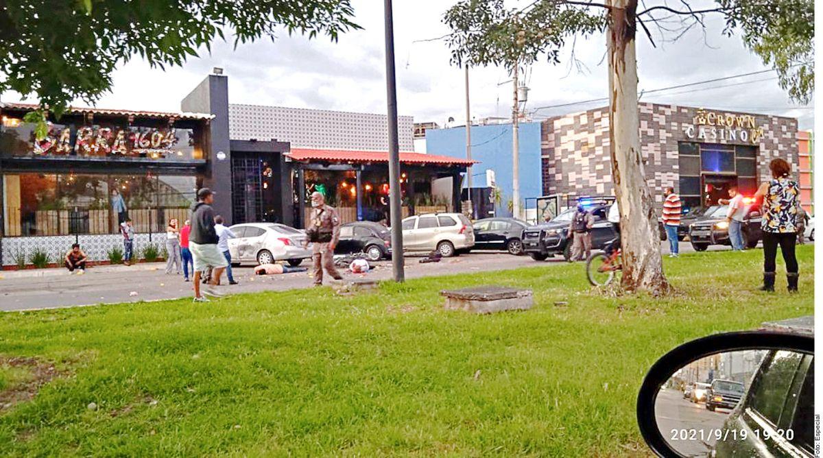 Ataque con paquete bomba deja 2 muertos y 4 heridos en restaurante