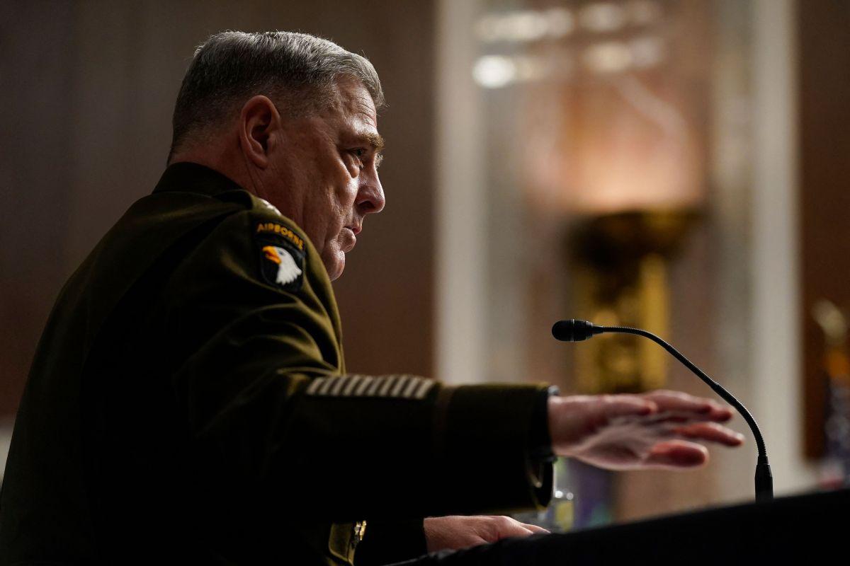 El general Milley dijo se necesitaban al menos 2,500 efectivos para protegerse contra el colapso del gobierno de Kabul.