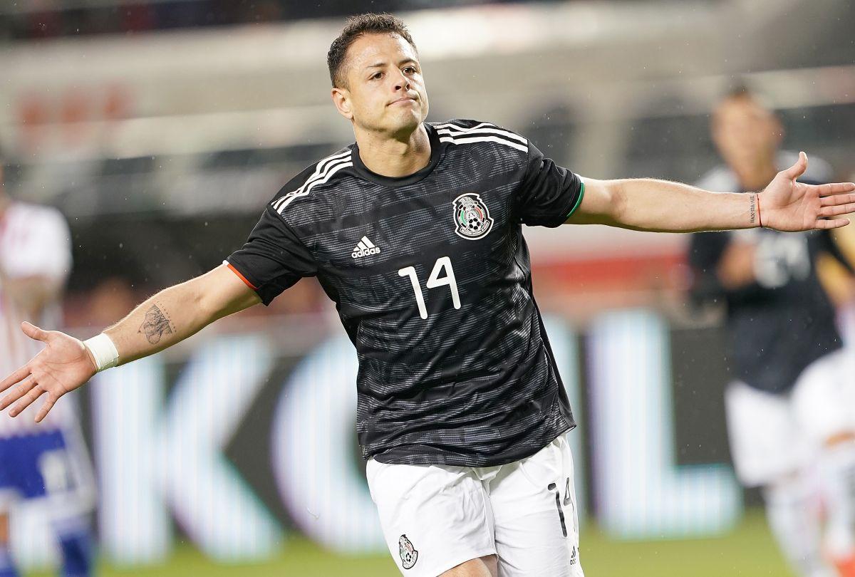 El delantero de Los Ángeles Galaxy es el goleador histórico de México con 52 dianas.
