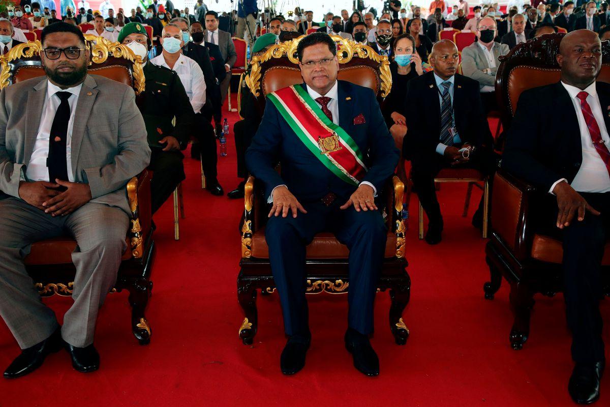El vicepresidente de Surinam es acusado como narcotraficante y exgerrillero de su país.