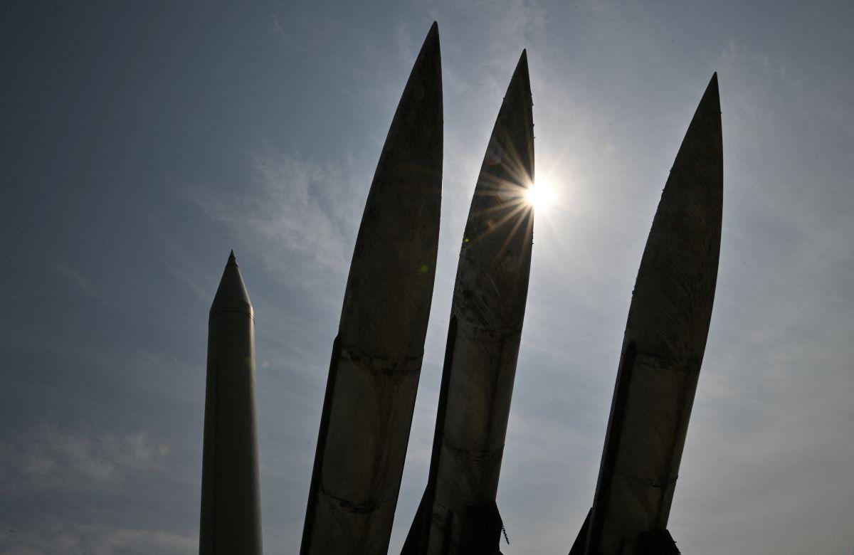 Corea del Norte lanzó este miércoles dos misiles balísticos hacia las costas de Japón.