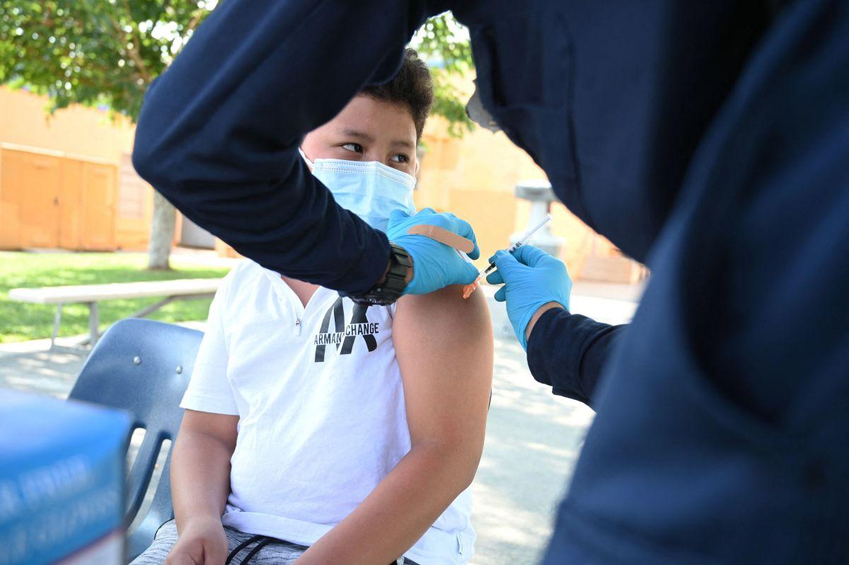 Las personas de 12 años de edad o más, incluyendo embarazadas, pueden recibir la vacuna. / foto: Getty.