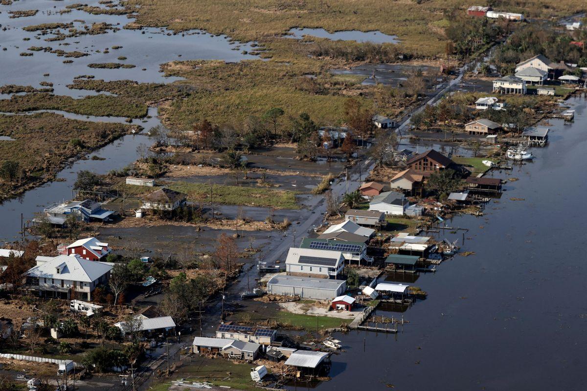 Cómo encontrar ayuda económica tras el paso del huracán Ida-GettyImages-1235040588.jpeg