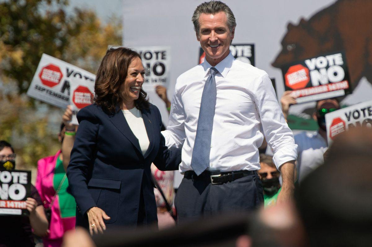 Kamala Harris apoyó al gobernador de California, Gavin Newsom, durante un evento de campaña.