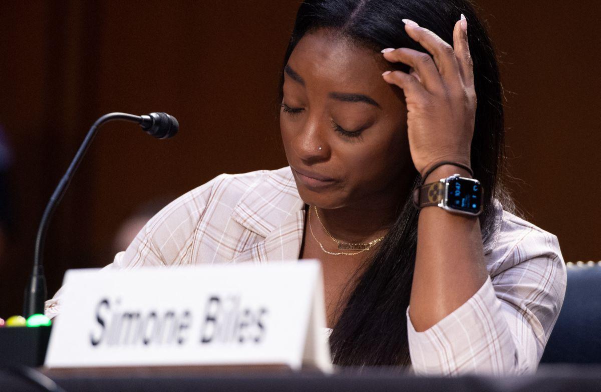 Entre lágrimas, la atleta declaró en la audiencia del senado.