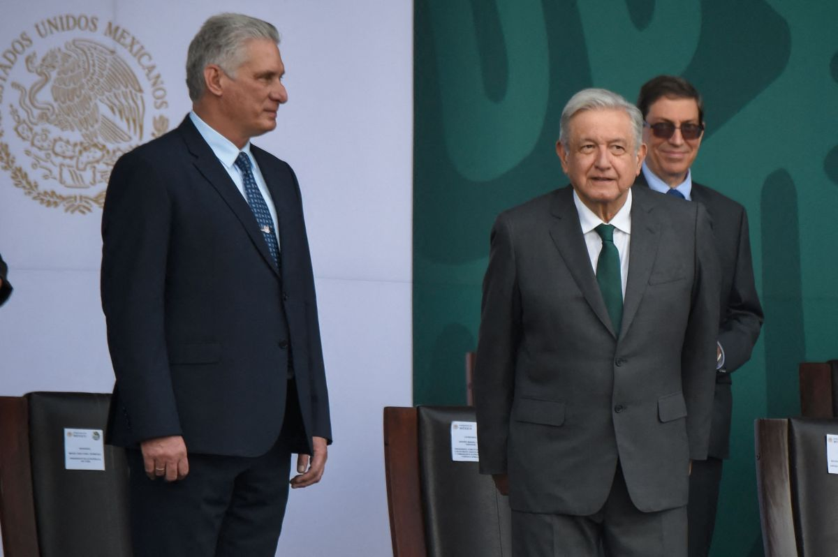 Un senador mexicano acusó a AMLO y a su homólogo cubano, Miguel Díaz-Canel, por defraudar al presupuesto de salud de México durante la pandemia.