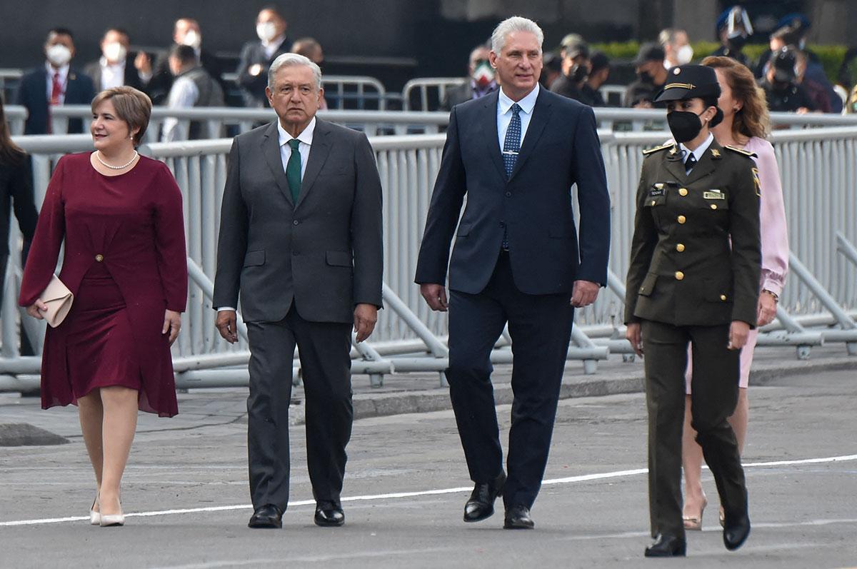 AMLO invita al presidente cubano Miguel Díaz-Canel al Desfile Militar por la Independencia de México.