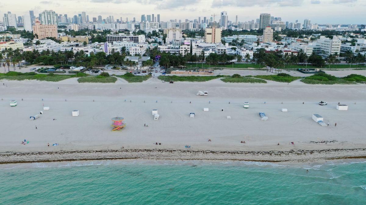 Las autoridades del condado de Miami-Dade, al sur de Florida, arrestaron a un hispano por matar a su padre a puñaladas y herir a su progenitora gravemente.