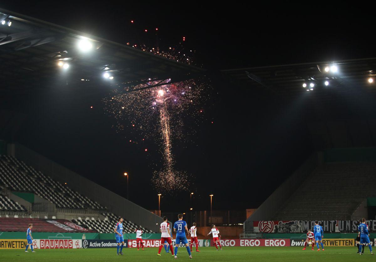 Las autoridades aseguraron que el suceso se generó por provocaciones entre los aficionados.
