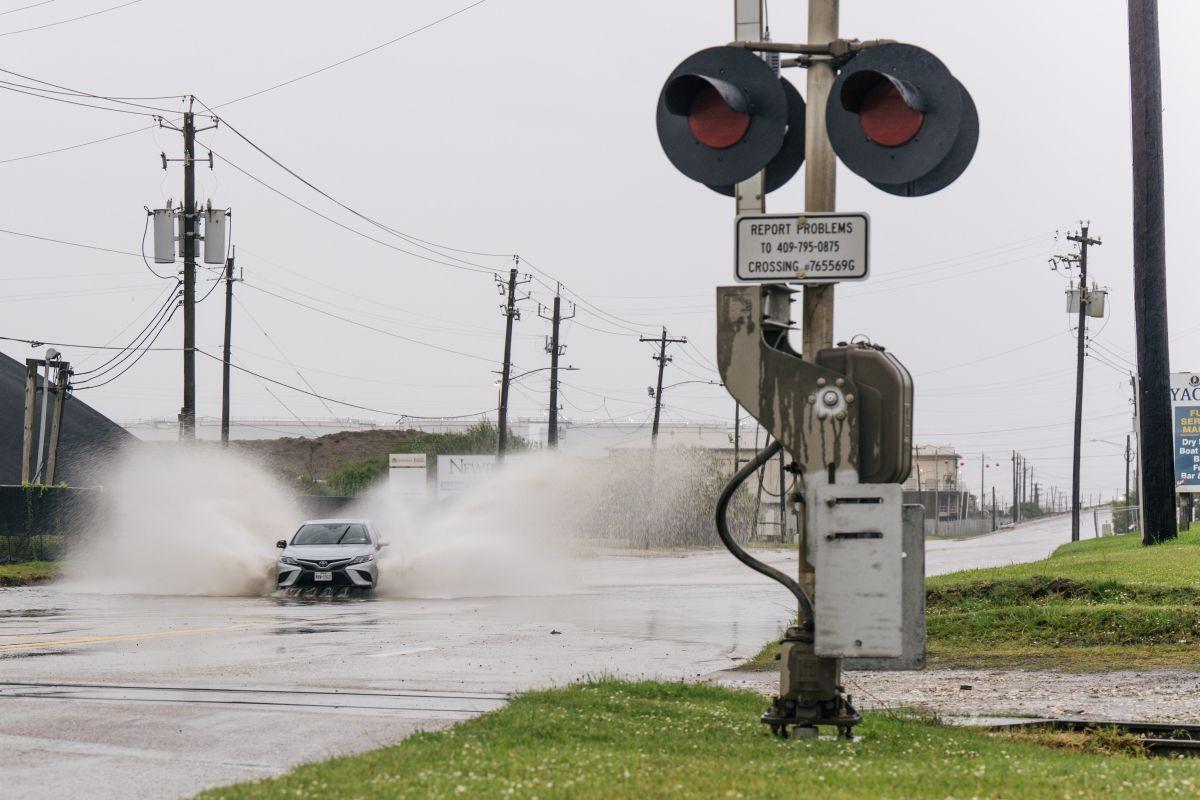 Partes de la costa de Texas y el suroeste de Louisiana pueden recibir fuertes lluvias.