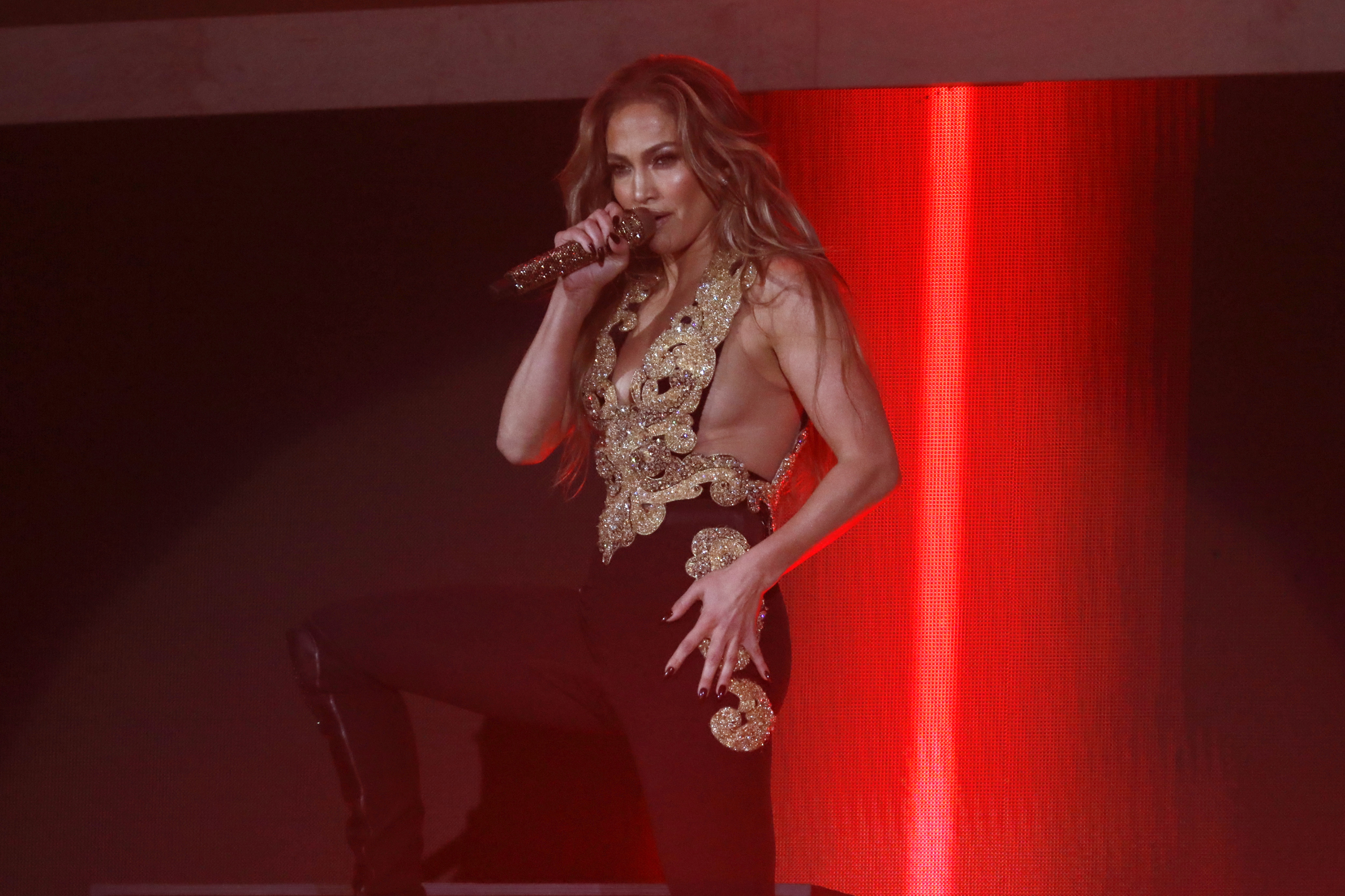 NEW YORK, NEW YORK - SEPTEMBER 25: Jennifer Lopez performs onstage during Global Citizen Live, New York on September 25, 2021 in New York City. (Photo by John Lamparski/Getty Images,)