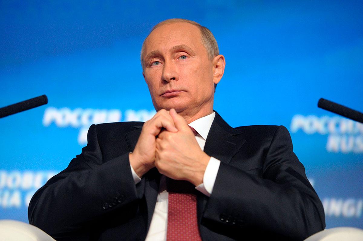 """Vladimir Putin asegura que los 20 años de EE.UU. en Afganistán solo trajo """"tragedias""""."""