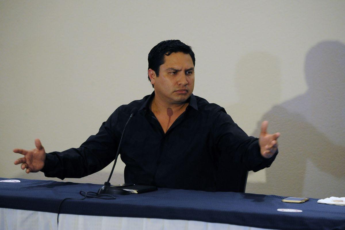 La reacción de Julión Álvarez y Laura G fue captadas por las cámaras.