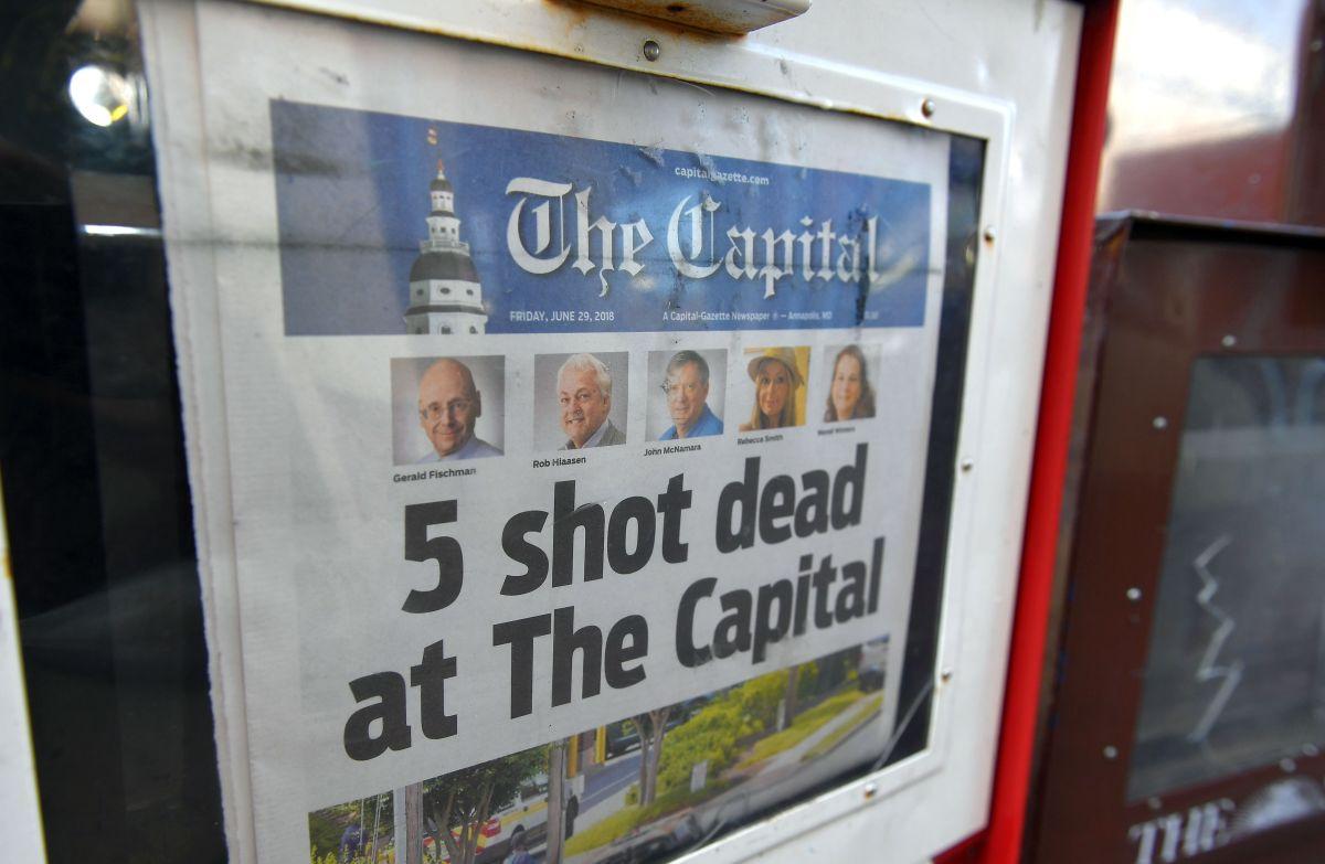 Una copia del periódico en Annapolis, Maryland, el 29 de junio de 2018, un día después del tiroteo.