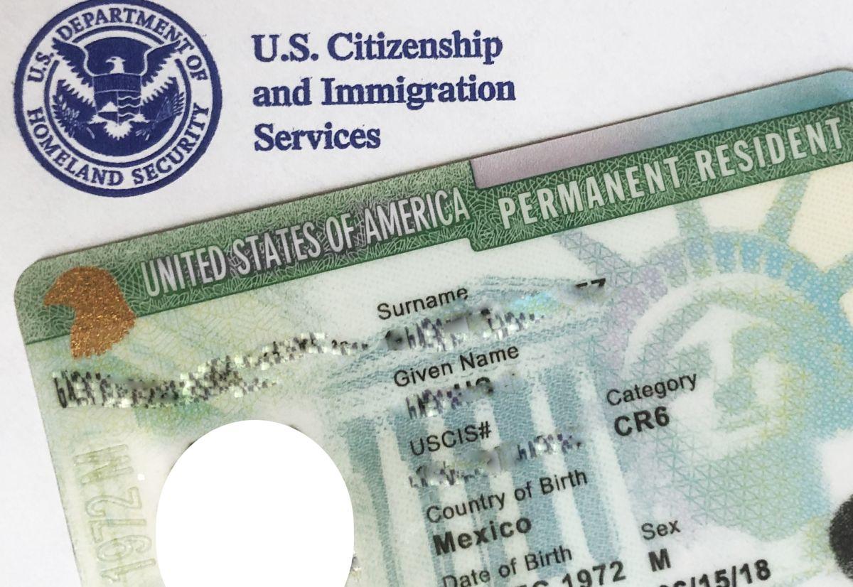 """Con la Ley del Registro millones de indocumentados podrían obtener la """"green card""""."""