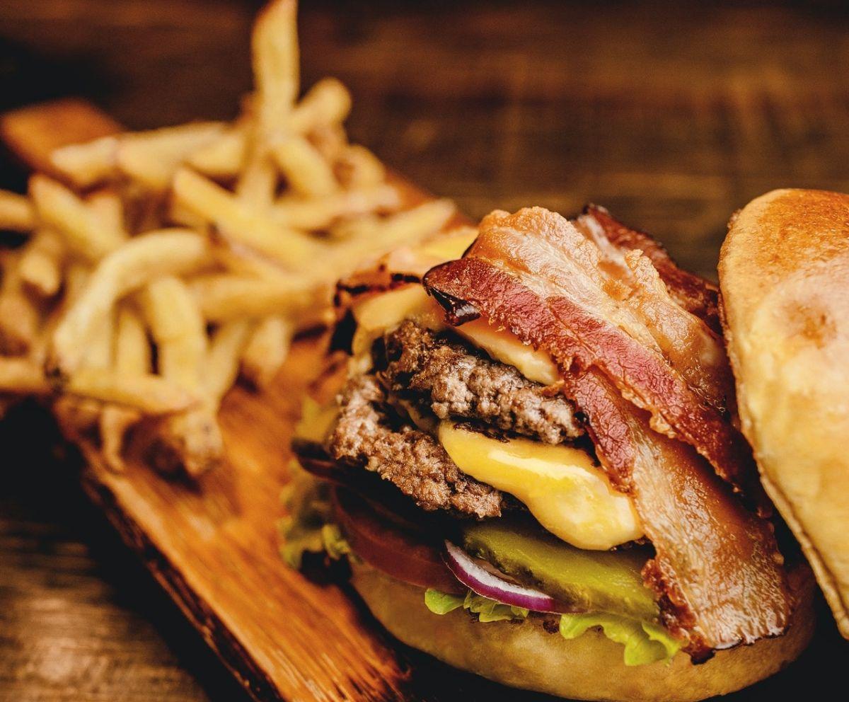 Algunas hamburguesas congeladas pueden tener un buen sabor y textura.