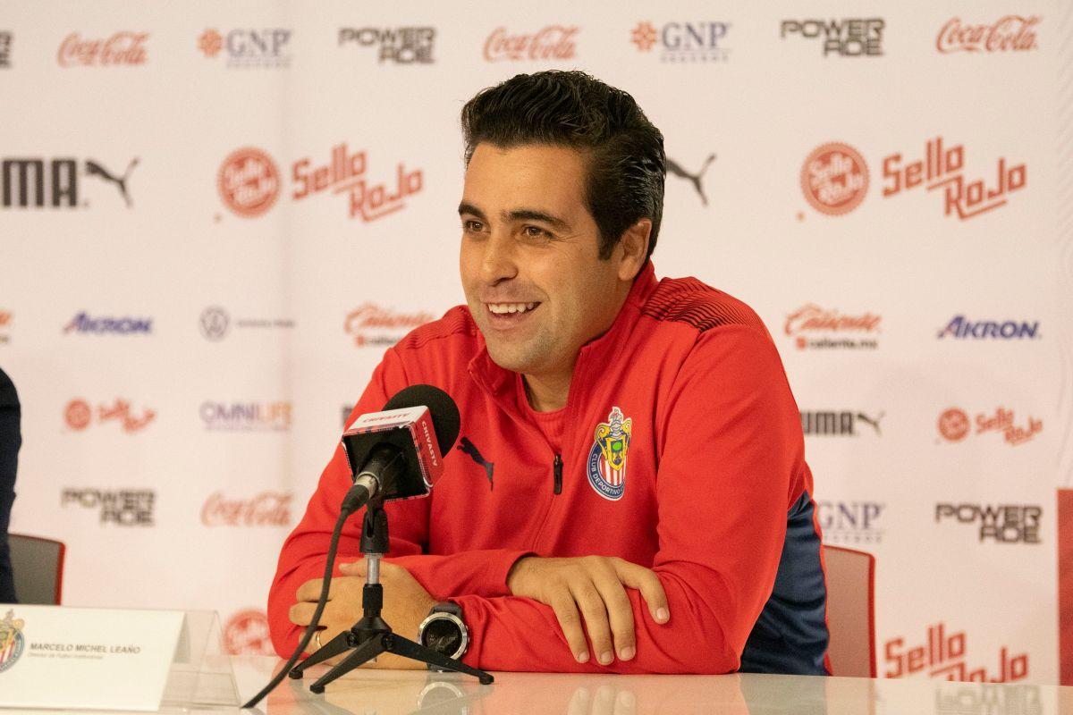 El estratega asumió el mando de Chivas tras la salida de Víctor Manuel Vucetich.