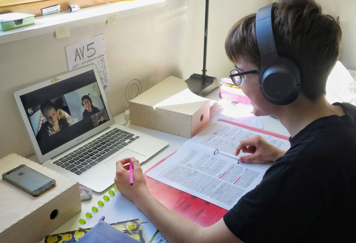 First Tech Fund proporciona a los estudiantes la tecnología y los recursos adecuados para apoyarlos durante sus estudios.